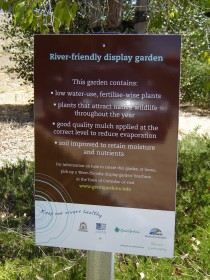 River friendly sign